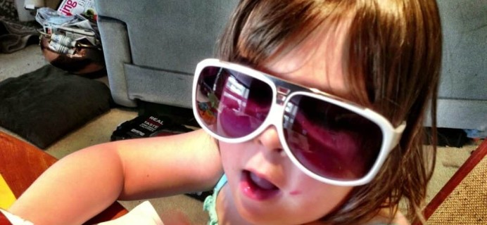 Stunner of the Month Sunglasses Subscription Box – August