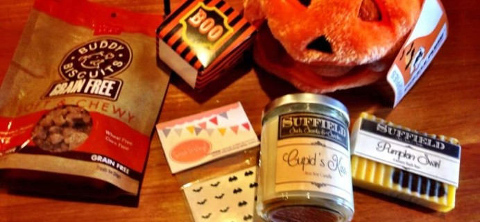 """October Treats & Trends Review – Pet and """"Mom"""" Subscription Box!"""