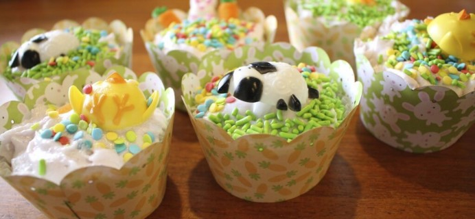 MyBakersBox Review – April 2014 + How to Freeze Frosted Cupcakes