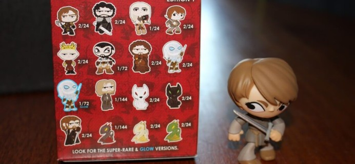 April Loot Crate Review (Dragons! Thrones! Other Franchises I don't care about!) + Coupon Code
