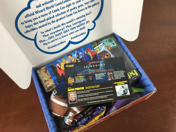 comic con box unboxing