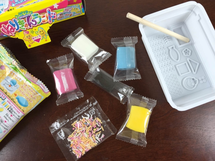 Japan candy box june 2015 IMG_2922