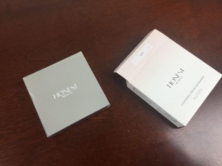 honest beauty bundle Concealer Duo box
