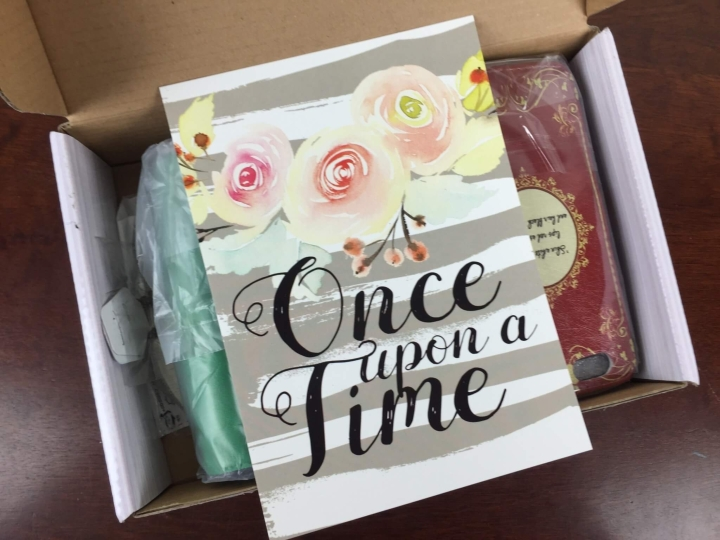 Once Upon A Bookcase June 2016 unboxing