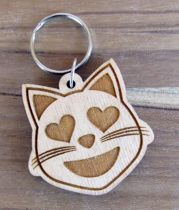 Birch Wood Cate Emoji Keycahin