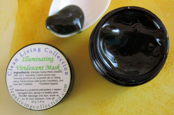 Clean Living Collection Illuminating Iridescent Mask