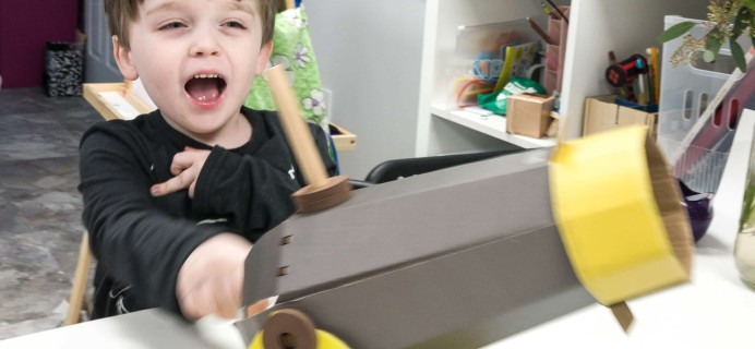 KiwiCo Make-And-Play Fort Review – Cannonball Launcher