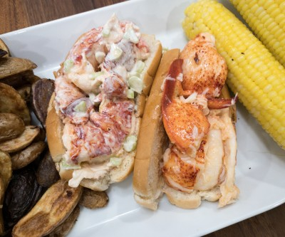 Lobster Anywhere Review: Lobster Rolls & Clam Chowder!