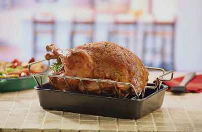 Crowd Cow Thanksgiving Sale: Get $10 Off Turkey + FREE Apron!