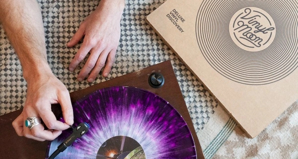 Vinyl Moon Black Friday Sale: Save 25% on Annual subscriptions!