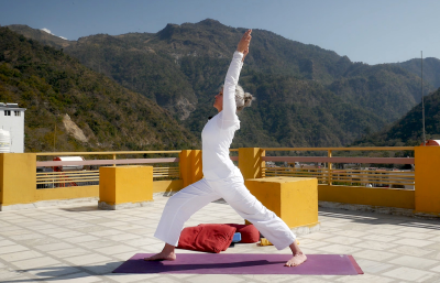 Akhanda Yoga Black Friday 2020 Coupon: FREE Month Trial & More!