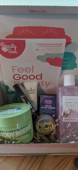 The Vegan Kind Subscription Beauty Box Review + Coupon – Box #31 December 2020 and January 2021